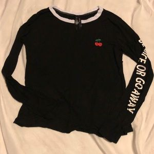 Graphic long sleeve